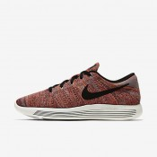Nike LunarEpic Low Flyknit Ember Glow/Total Orange/Summit White/Black Mens Running Shoes